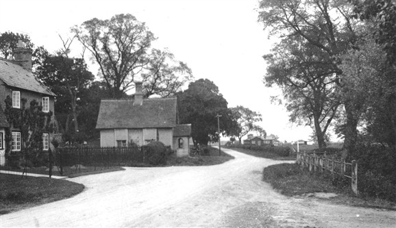 Photo:Boundary Cottage in the 1930s