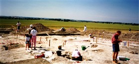 Photo:The Edix Hill burial site during excavations