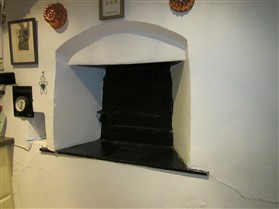 Photo:Bread oven door at No.20