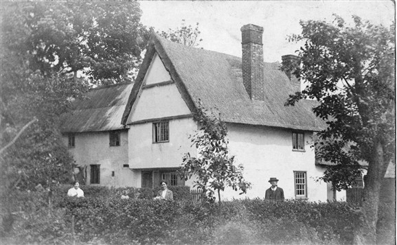 Photo:Town Green Farmhouse in 1922