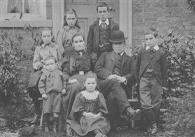 Photo:The Marr family in 1900
