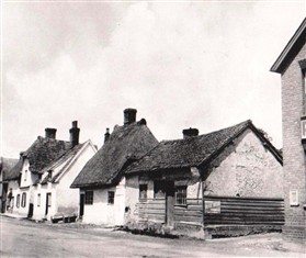 Photo:Cobbler's shop, The Old White Hart.