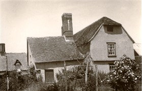 Photo: Illustrative image for the 'Meadowcroft Cottage, Lotfield Street.' page